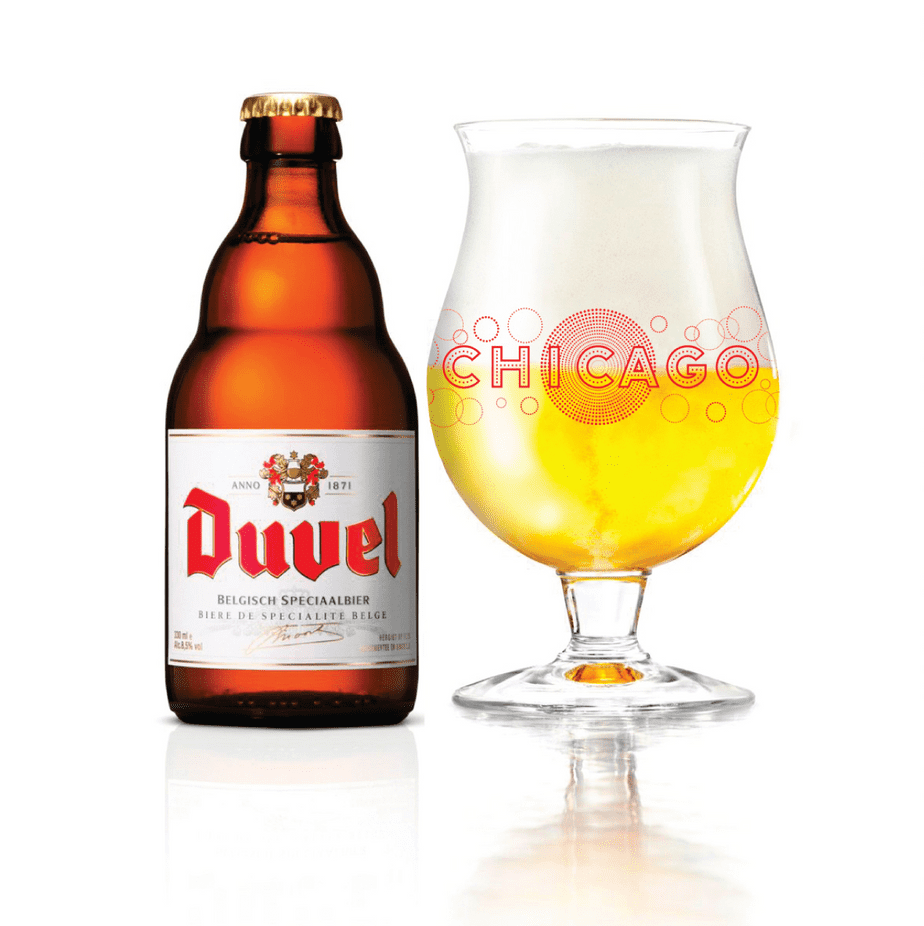 Chicago text decorated with drawn bubbles on a Duvel glass next to a bottle of Duvel beer